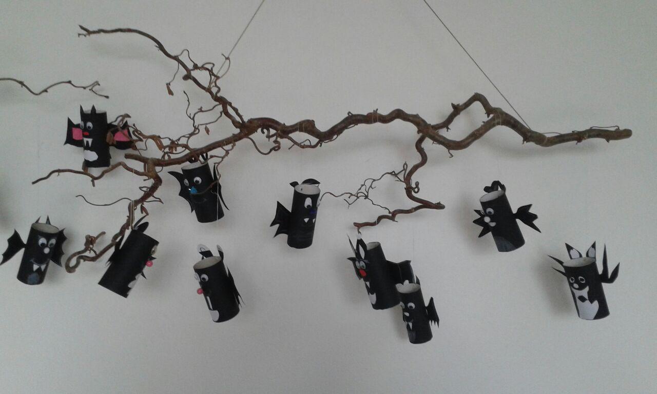 Aus dem Kunstunterricht 2017 - Fledermäuse Klasse 5